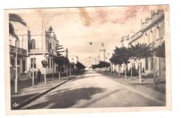 Tunisie. La GOULETTE. Avenue Franklin Roosevelt (ex. Avenue De Carthage). Petite Animation.Mosquée - Tunisie