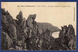 29 BEUZEC-CAP-SIZUN Côte De Beuzec, Les Rochers Dentellés De Castel Ar Roch (Roc'h) - Beuzec-Cap-Sizun