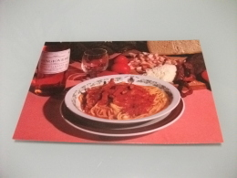 HOTEL RISTORANTE ROMA AMATRICE RI  IL MAGO DEGLI SPAGHETTI ALL'AMATRICIANA CON BOTTIGLIA VINO SANGIOVESE SANTARELLI - Ricette Di Cucina