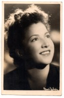 AUTOGRAPHE DEDICACE SIMONE SIGNORET -  Photo Signée Au Verso Datée De 1944 - Autographs