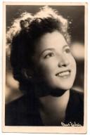 AUTOGRAPHE DEDICACE SIMONE SIGNORET -  Photo Signée Au Verso Datée De 1944 - Autografi