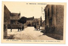 PLUMELIN - UN COIN DU BOURG - L'ABSIDE DE L'EGLISE - LE MONUMENT AUX MORTS - France