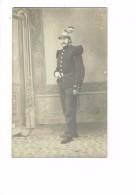 Carte Photo - Militaria - Soldat Uniforme - Casque - Année 1914 Environ - Personnages