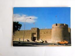 Carte Postale Ancienne : Emirats Arabes Unis , U.A.E. : DUBAI Museum, Cars - Emirats Arabes Unis
