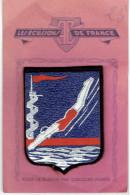 ECUSSON NATATION PLONGEE VERS 1950 SUR SON CARTON D ORGINE FABRICATION CUIR SUR FEUTRINE MAISON SAUNIERE A ESPERAZA - Natation
