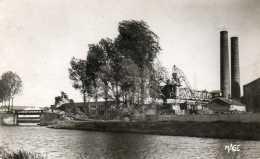 CPSM - HAM (80) - Vue De La Sucrerie D'Eppeville Et De L'entrée Du Port Dans Les Années 50/60 - Ham