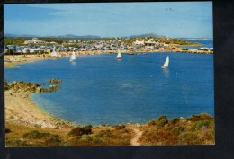 Q1131  Arzachena (Olbia Tempio) L´ Isuledda - Sardegna, Italia - Panorama Con Spiaggia E Barche A Vela - Non Scritta - Italie