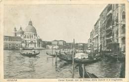 VENEZIA - Canal Grande Con La Chiesa Della Salute E Il Traghetto - Venezia (Venedig)