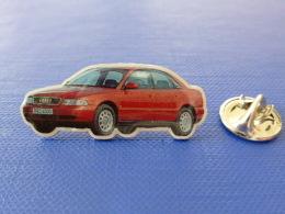 Pin´s Automobile - Audi Rouge A4 A6 A8 ? - Voiture Allemande (JE7) - Audi
