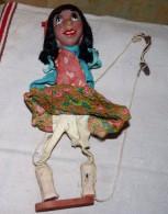 ANCIENNE VIEILLE MARIONNETTE RECHO AU MEXIQUE A RESTAURER GITANE 37 CM - Puppets