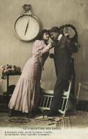 96935 - Couple   Dans Un Boudoir     Baromètre Des Epoux - Couples