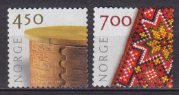 Norway 2001 Mi. 1369-70 Kunsthandwerk Dose & Volkstracht MNG - Norwegen
