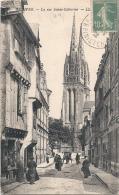 -29-  QUIMPER  La Rue Sainte Catherine Bien Timbrée TTBE Animée - Quimper