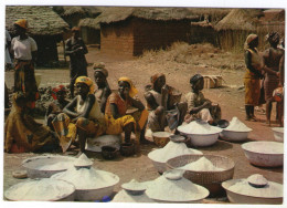 CPM   NIGERIA      MARKET SCENE  NORTHERN NIGERIA         SCENE DE MARCHE - Nigeria