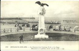 Boulogne Sur Mer Le Monument  Du Capitaine Ferber Et La Plage - Boulogne Sur Mer