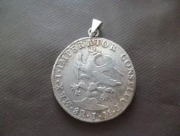 Rare écu Argent 1823 Mexique Monté En Pendentif 8 Real 1.M.  Mex I Imperator Constitut Diamètre 4cm Environ - Mexique