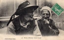 BRETON ET BRETONNE Fumant La Pipe - Personnages