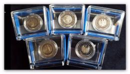5 Euro Münze Planet Erde, Blauer Polymer-Ring Prägest. A,D,F,G Und J In PP Und BOX - Germania