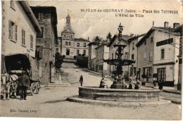 SAINT JEAN DE BOURNAY ,PLACE DES TERREAUX ET HOTEL DE VILLE ,PEUT ETRE ATTELAGE MEUNIER ,?   REF 46684 - Saint-Jean-de-Bournay