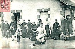 N°49611 -cpa Camp De Châlons -le Dégel- - Barracks