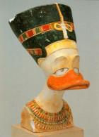 """AK Duckomenta """"Überall Ist Entenhausen"""" Königin Duckfretete La Reine Duckfertiti Duckburg Duckburgh Queen Walt Disney - Comicfiguren"""