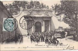 Cpa Toulon, La Porte De L'arsenal Maritime, Sortie Des Ouvriers, Pub Byrrh - Toulon