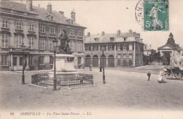 Cp , 80 , ABBEVILLE , La Place Saint-Pierre - Abbeville