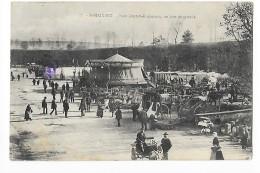 SAINT MAIXENT  (cpa 79) Place Denfert-Rochereau Un Jour De Marché  - Belle Animation  - - Saint Maixent L'Ecole