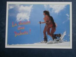 Ski Soleil  La Chasse Aux Dahuts  Femmes Avec Des Raquettes Et Les Seins Nus - L256A - Humour