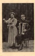 Carte Représentant Un Accordeoniste Et Une Joueuse De Violon  - Accordéon  Gallo Antonio -  Vercelli - Italia. - Musikinstrumente