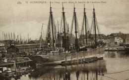 Dunkerque : Un Cinq Mâts Dans Le Bassin De L'arrière Port (59) - Dunkerque