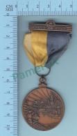 Medaille Centenaire Sherbrooke Quebec Canada, FAUX Centenaire  De 1937 Voir Explication, 2 Scans - Fiestas & Eventos