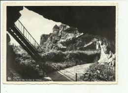 Couvin La Sortie Des Grottes De L'Abîme - Couvin