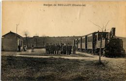 16 ROULLET STATION GARE TRAIN CHEMIN DE FER - Francia