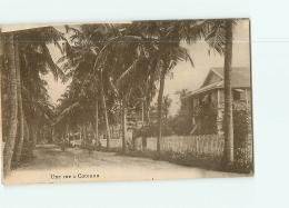 COTONOU : Une Rue. 2 Scans. - Dahomey