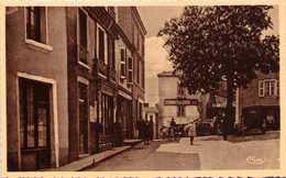 CRÉMEAUX - Place De L'Eglise - Autres Communes