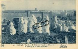 MAROC - RABAT - UN JOUR DE FETE AU CIMETIERE EL ALON - Rabat