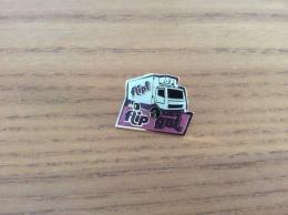 "Pin's ""Flipi - Flip Gel"" (glace, Camion) - Alimentation"