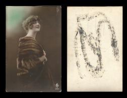 B)1910 CUBA, PRETTY LADY, SMILE, VINTAGE, POSTCARD - Postcards