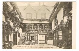 RB 1097 - Early Postcard - New Inn Courtyard & Pilgrims Gallery - Gloucester - Gloucester