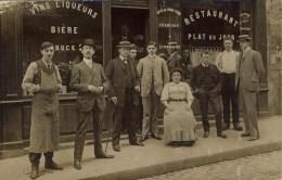CARTE PHOTO NON SITUEE - VINS LIQUEURS RESTAURANT - Maison XxUGET - Belle Animation - Cartes Postales
