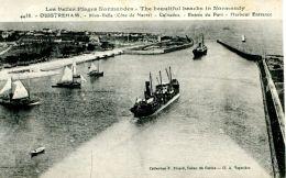 N°334 E -cpa Ouistreham -entrée Du Port- Cargos- - Commerce