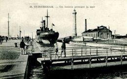 "N°336 E -cpa Ouistreham  -""l'Atherton"" Prenant La Mer- - Commerce"