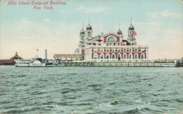 US NEW YORK CITY / Ellis Island Emigrant Building / CARTE COULEUR - Ellis Island