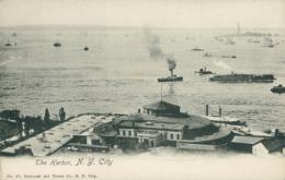US NEW YORK CITY / The Harbor / - New York City