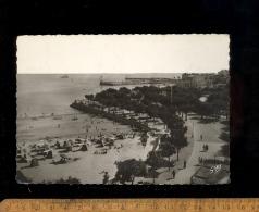 ROYAN Charente Maritime 17 : Le Square Botton Et Les Deux Jetées , Plage 1947 - Royan