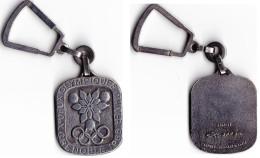 PORTE CLES GRENOBLE J-O 1968. ARTHUS BERTRAND.Mètal. - Habillement, Souvenirs & Autres