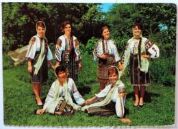 MOLDAVIE;jeunes Femmes En Tenues D'époques - Moldavie