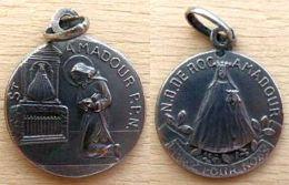 Mada-906 Médaille Ancienne En Ag(poinçon)N.D. De Rocamadour - Religion & Esotericism