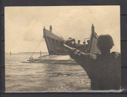 Nossi - Bé - Manoeuvre - L . C . M -  Débarquement Du Materiel  En 1968 - Guerre, Militaire